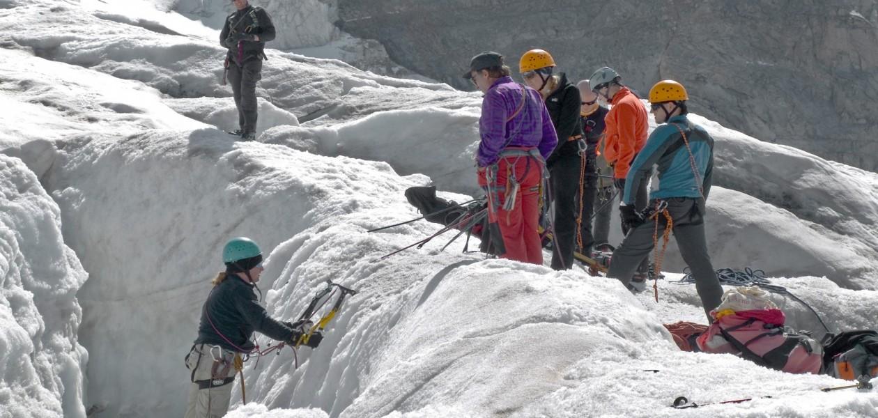 Foto von Spaltenbergung auf dem Vadret Pers beim Gletscherkurs in der Schweiz