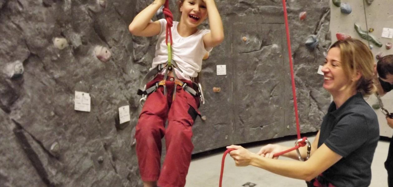 """Foto """"War das aufregend!"""" beim Kletterkurs in der Kletterhalle"""