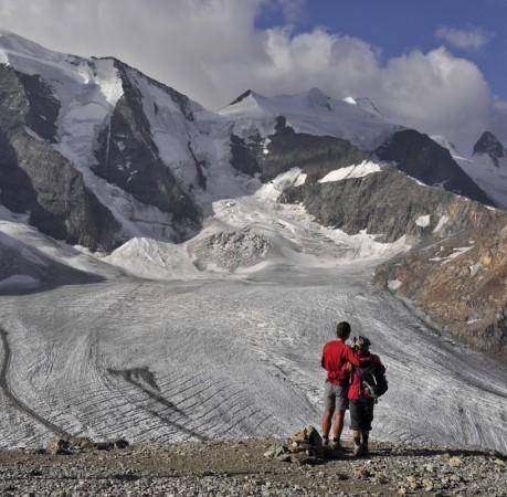 Foto vom Blick auf Piz Palü und Pers Gletscher Berninatrek, Schweiz