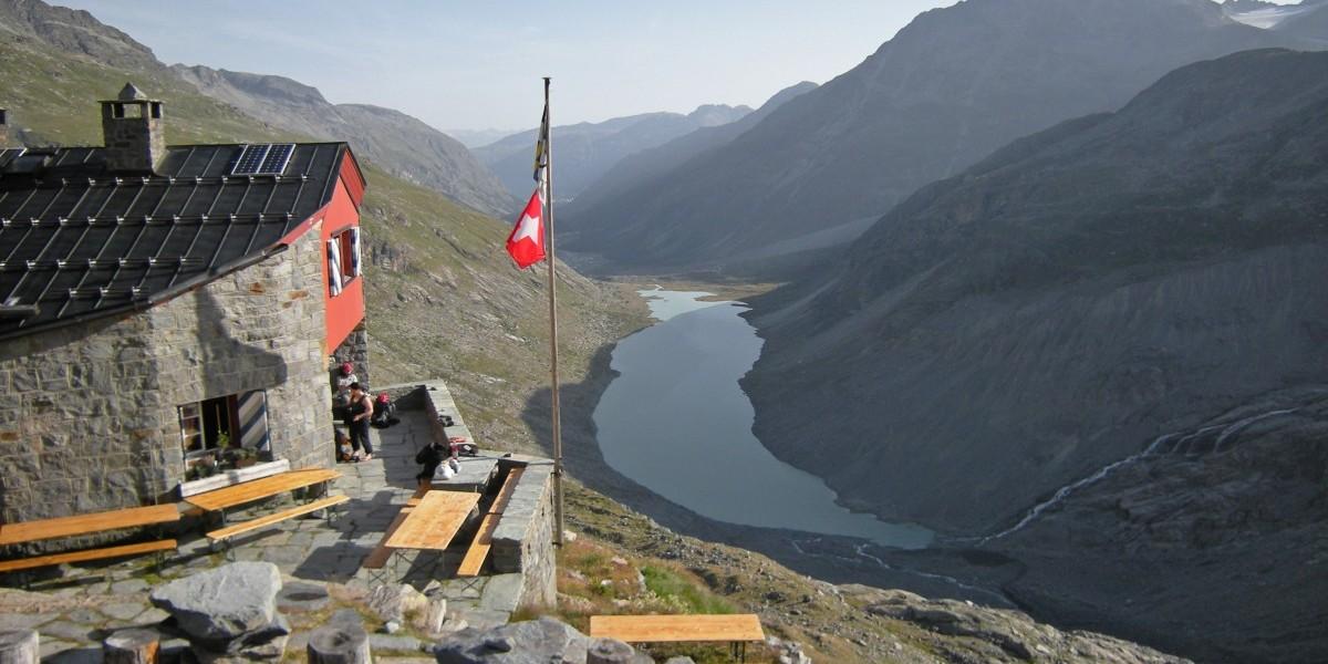 Foto von der Bovalhütte auf dem Berninatrek in der Schweiz