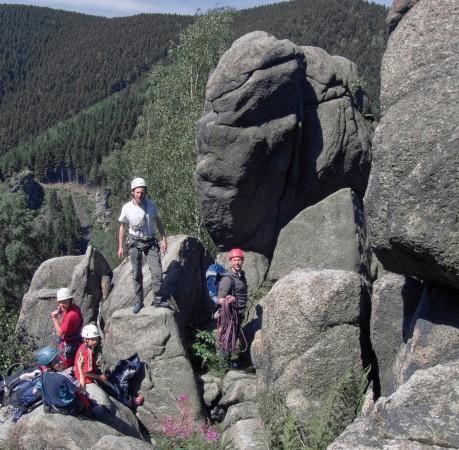 Foto von der erfolgreichen Besteigung des Drachenturms beim Kletterkurs im Harz