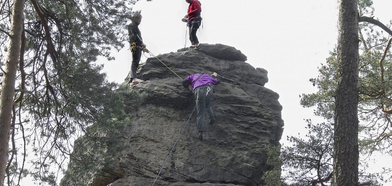 Auf dem Gipfel beim Kletterkurs in der Sächsischen Schweiz