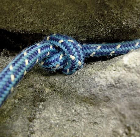 Foto einer gelegten Knotenschlinge bei dem Kletterkurs in der Sächsichen Schweiz