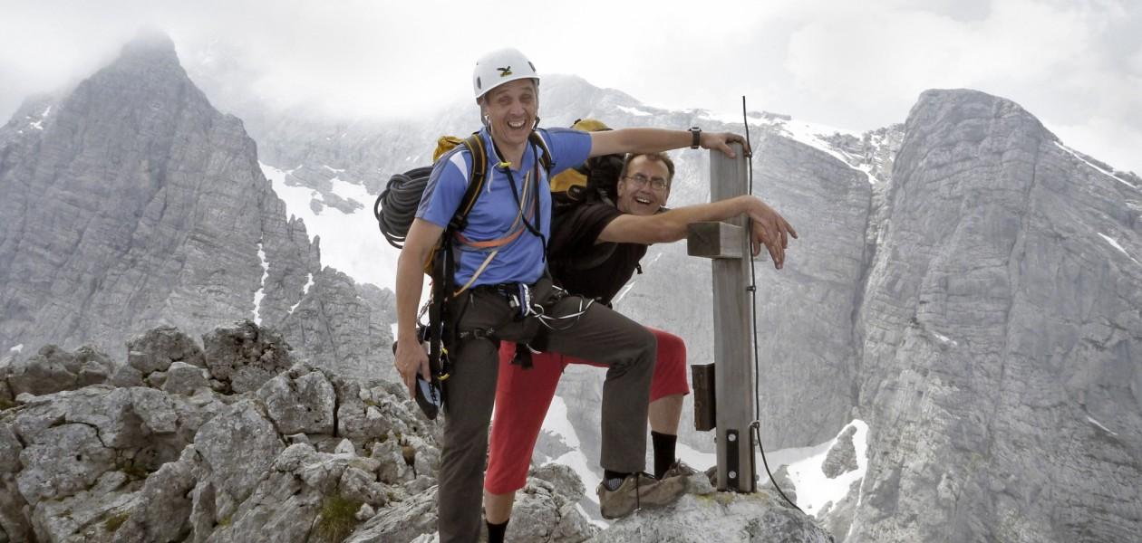 Foto auf dem Gipfel des Hochkalter beim Kletterkurs in den Berchtesgadener Alpen