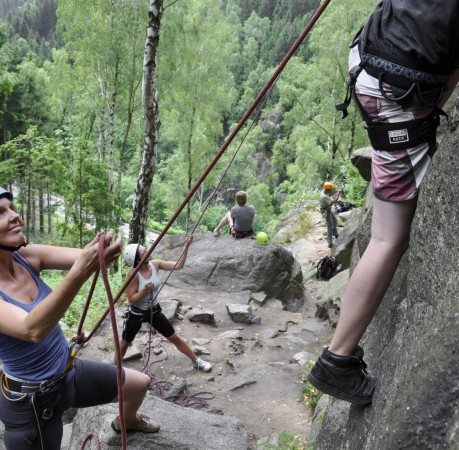 Foto vom Topropeklettern beim Kletterkurs im Harz