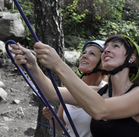 Foto vom Sichern im Duett beim Kletterkurs im Harz