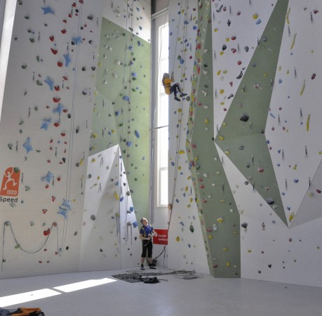 Foto von Topropesicherung in der Kletterhalle