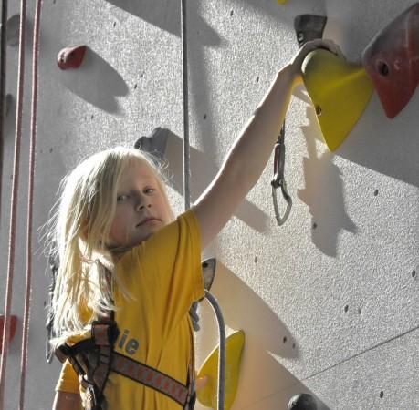 Foto vom ersten Kletterversuch in der Kletterhalle