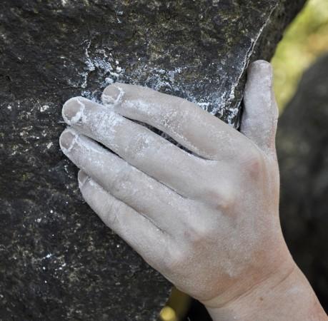 Foto von griffigem Granit beim Kletterkurs im Harz