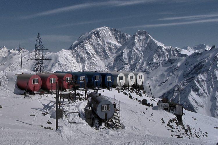 Elbrus   Tonnenhütten (Botschki)